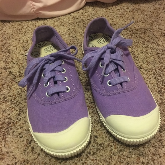 clearence sneakers